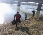 2015-01-15 VIDRA-Ciscenje korita rijeke Bosne (18)
