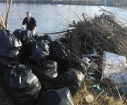 2015-01-15 VIDRA-Ciscenje korita rijeke Bosne (5)