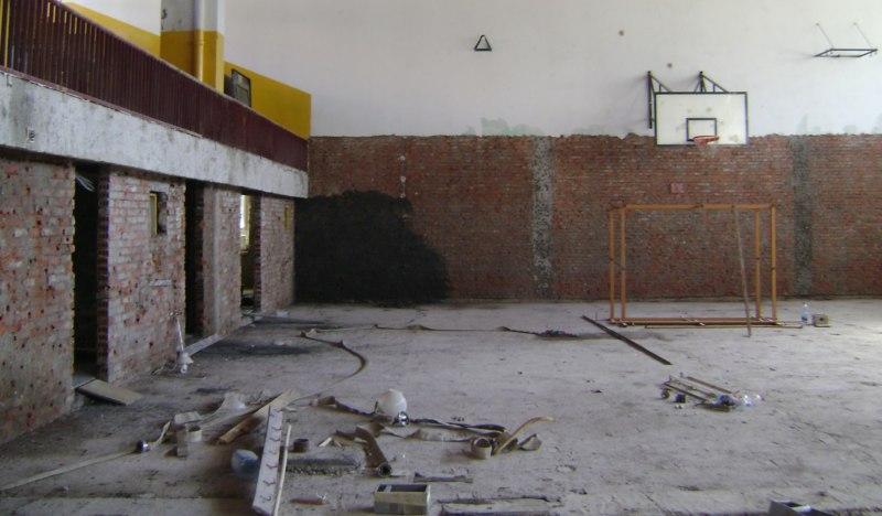 E. Poplave su potpuno uništile fiskulturnu salu škole u Doboju