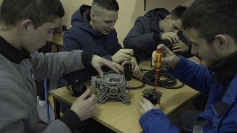 L. Nova oprema u školskoj  radionici