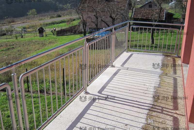 inox-balkoni
