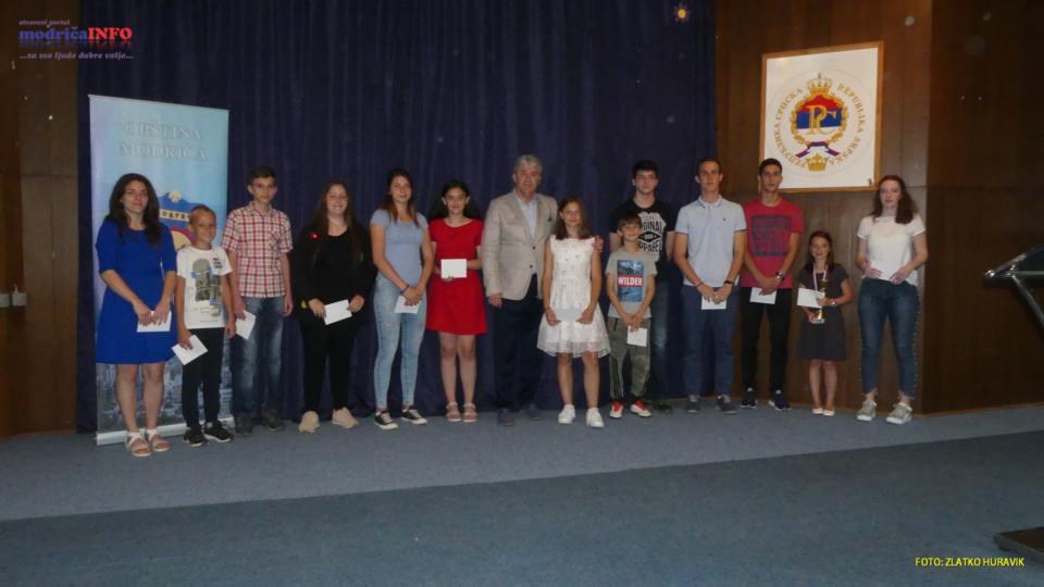 2019-06-25 PRIJEM ZA UČENIKE I PROSVJETNE RADNIKE (84)