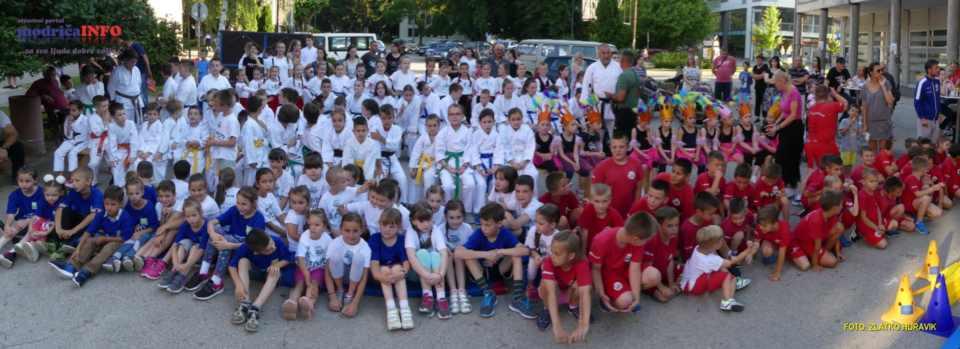 2019-06-26 VESELO DJEČIJE VEČE (26)