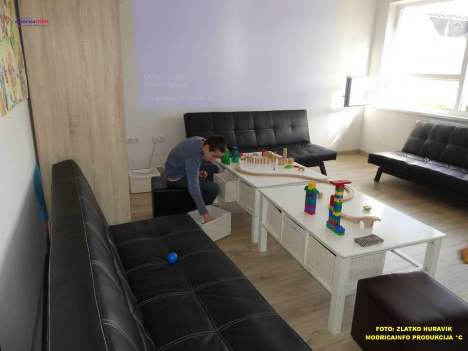 2019-12-24 DNEVNI CENTAR-PAKETIĆI OD SPC (22)