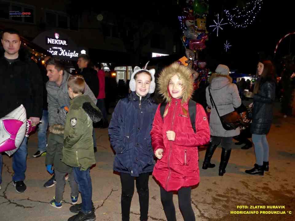 2019-12-26 ZIMSKI GRAD-KONCERT GROOVE STREET (10)