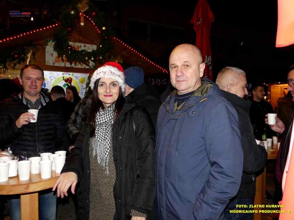 2019-12-26 ZIMSKI GRAD-KONCERT GROOVE STREET (14)