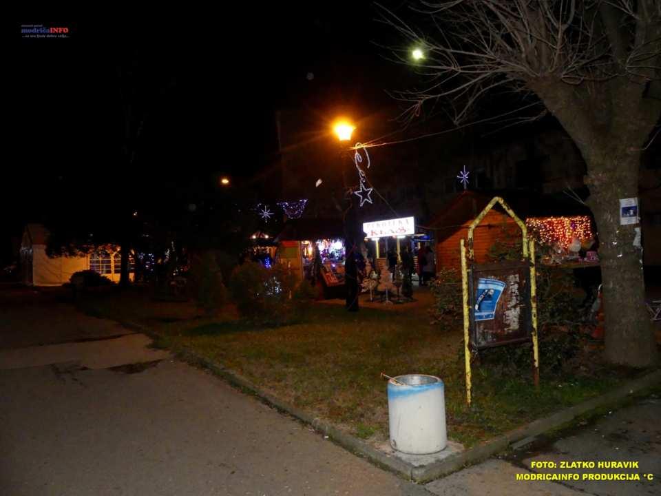 2019-12-26 ZIMSKI GRAD-KONCERT GROOVE STREET (37)