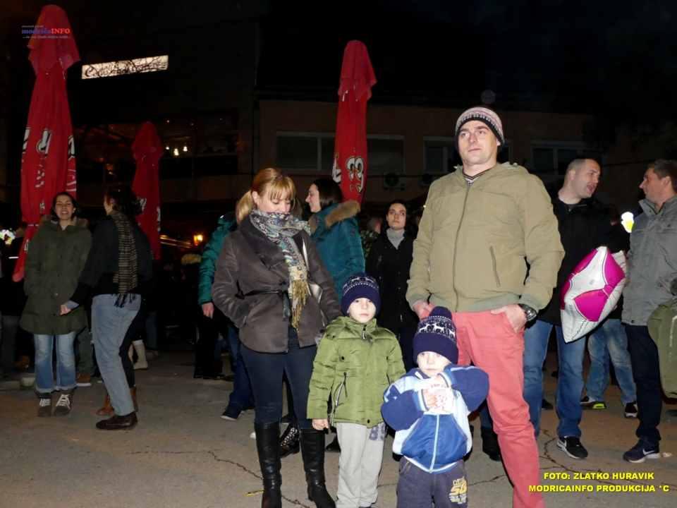 2019-12-26 ZIMSKI GRAD-KONCERT GROOVE STREET (9)