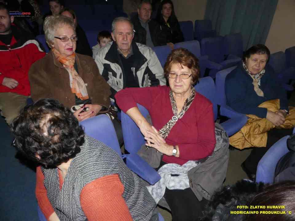 2019-12-26 ZIMSKI GRAD-NASTUP DJECE IZ DNEVNOG CENTRA (14)