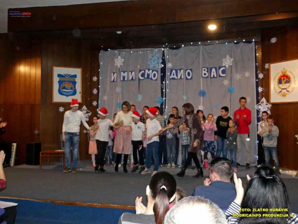 2019-12-26 ZIMSKI GRAD-NASTUP DJECE IZ DNEVNOG CENTRA (46)