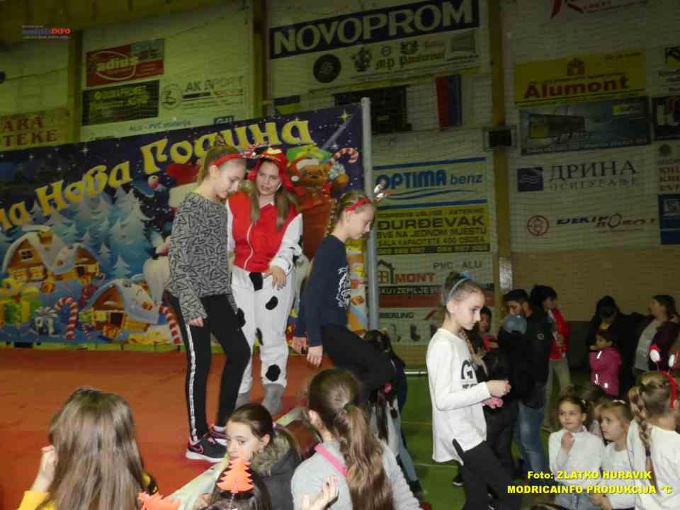 2019-12-27 DJEČIJA NOVA GODINA (88)