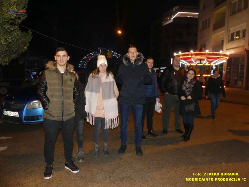 2019-12-29 ZIMZOGRAD-PREDSTAVA ZA DJECU I KONCERT (23)
