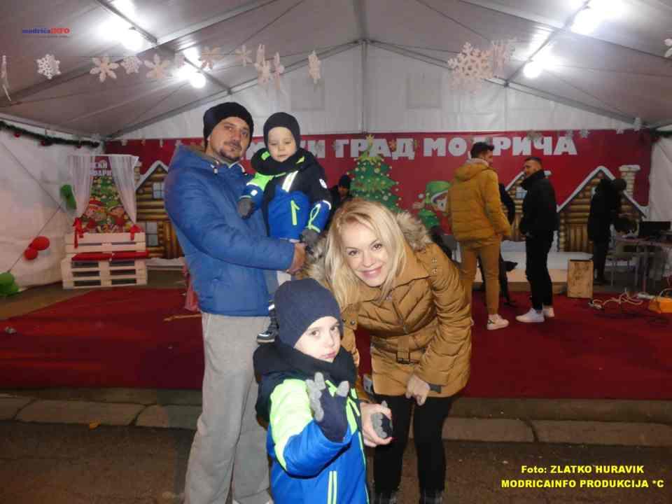 2019-12-29 ZIMZOGRAD-PREDSTAVA ZA DJECU I KONCERT (61)