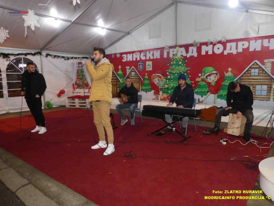 2019-12-29 ZIMZOGRAD-PREDSTAVA ZA DJECU I KONCERT (63)