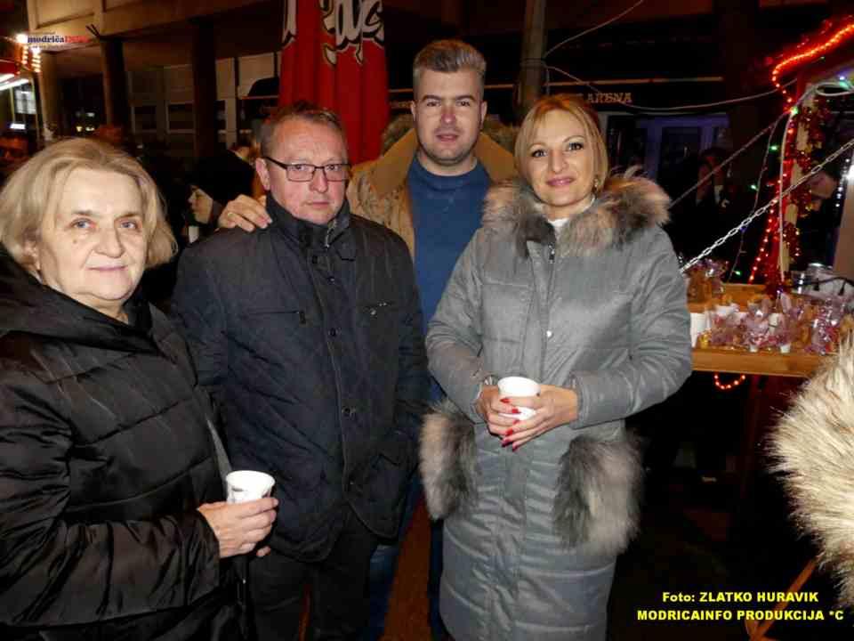 2019-12-29 ZIMZOGRAD-PREDSTAVA ZA DJECU I KONCERT (85)