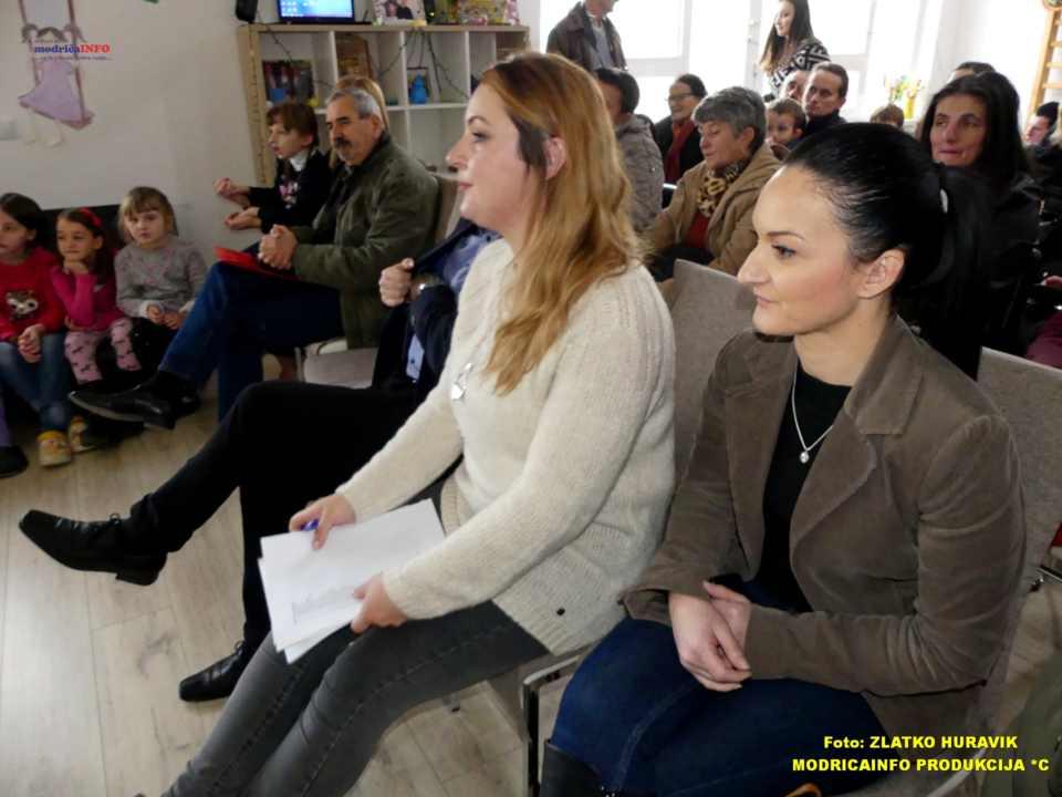 2019-12-31 PODJELA PAKETIĆA U DNEVNOM CENTRU (14)