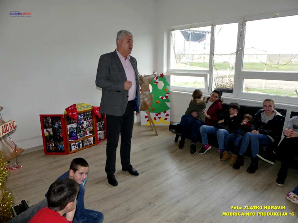 2019-12-31 PODJELA PAKETIĆA U DNEVNOM CENTRU (15)