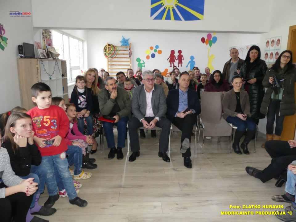 2019-12-31 PODJELA PAKETIĆA U DNEVNOM CENTRU (30)