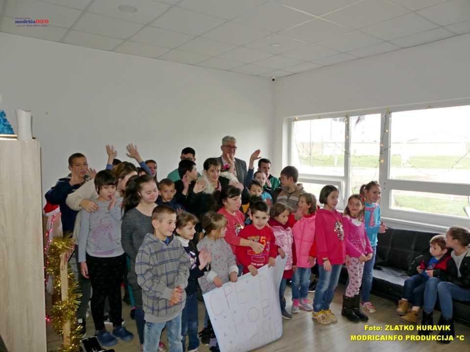 2019-12-31 PODJELA PAKETIĆA U DNEVNOM CENTRU (33)