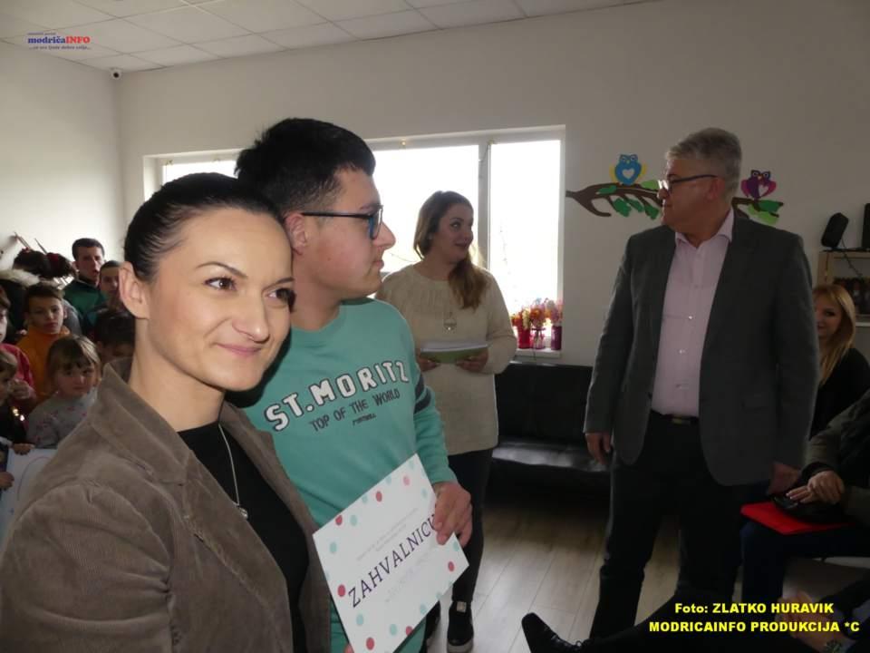 2019-12-31 PODJELA PAKETIĆA U DNEVNOM CENTRU (35)