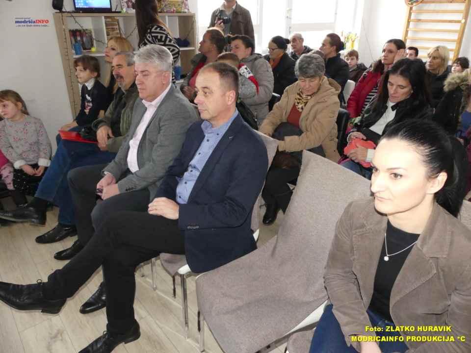 2019-12-31 PODJELA PAKETIĆA U DNEVNOM CENTRU (9)