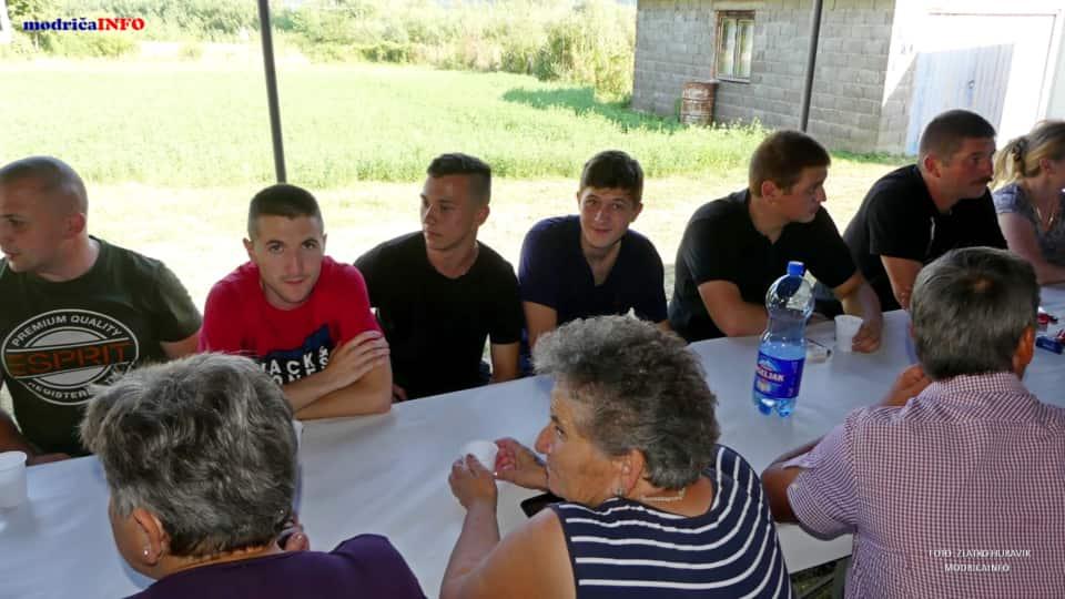 "Promovisan ""Rodoslov"" Zdravka Lazarevića (18)"